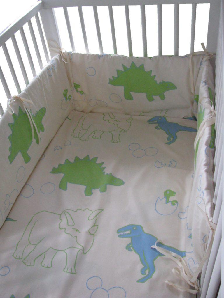bio baby nestchen dino vitalana nat rlich schlafen. Black Bedroom Furniture Sets. Home Design Ideas